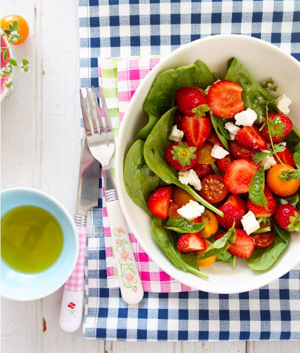 çilekli salata