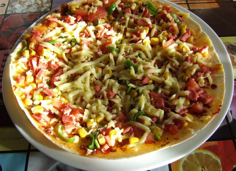 lavaşta pizza