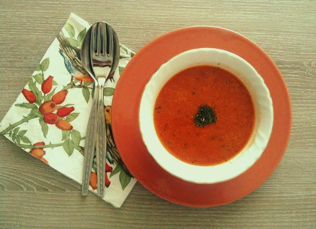 sutlu-domates-corbasi-
