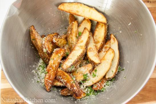 Fırında baharatlı elma dilim patates