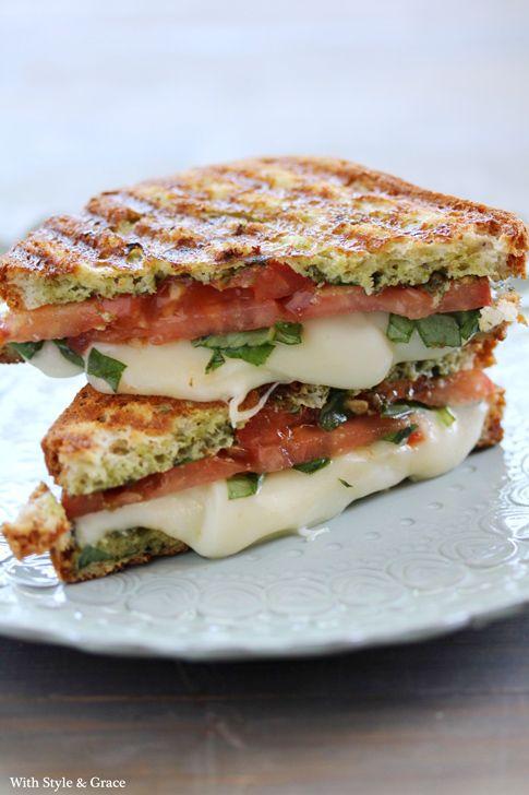 Mozzarella-domatesli-tost