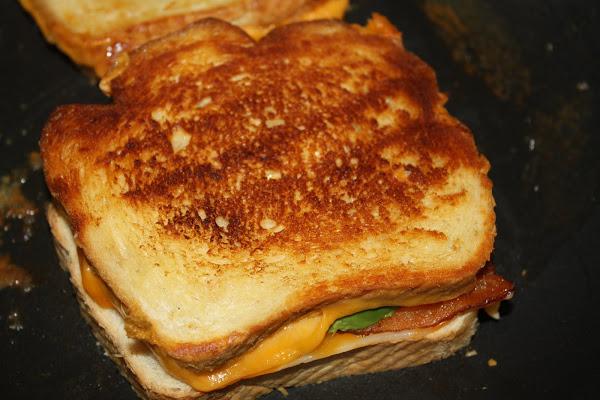 avokado-ve-bacon-tost-tarifleri4