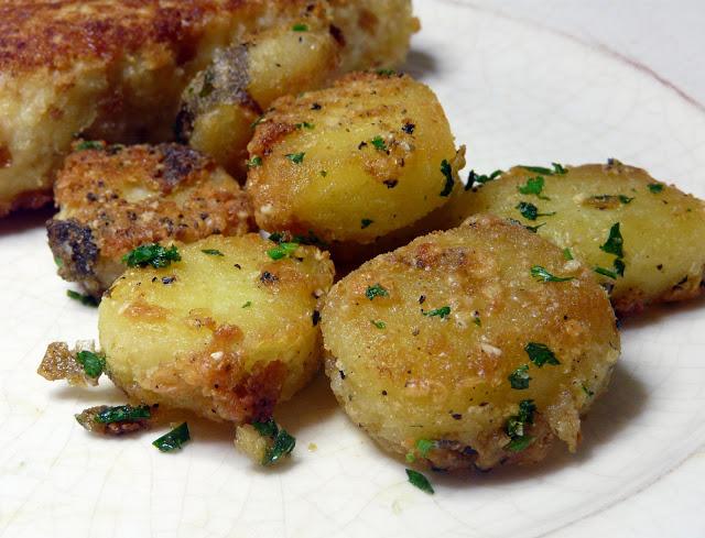 sarimsak-ve-parmesanli-patates-kavurma