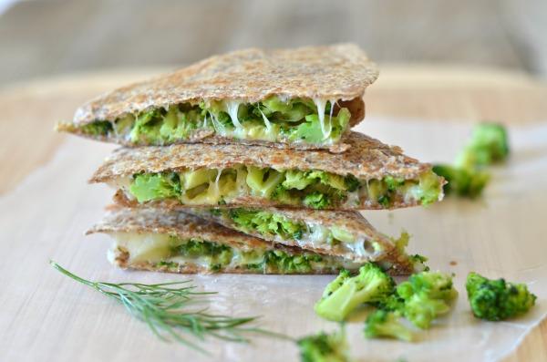 avokado-ve-brokoli-ile-tortilla-tarifi