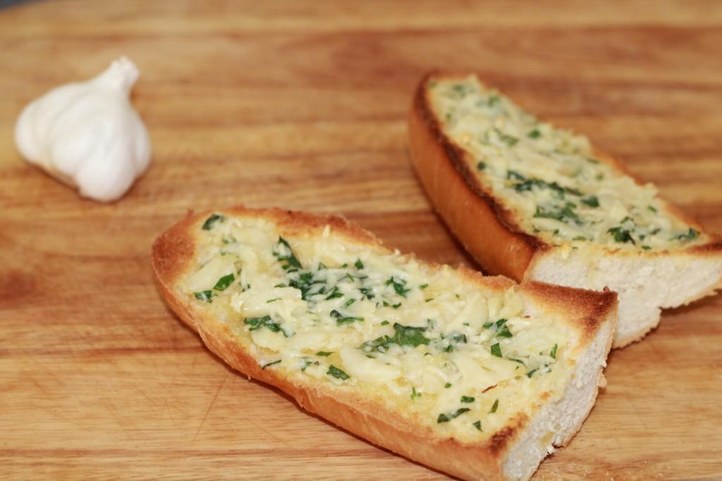 peynirli-sarimsakli-ekmek-tarifi