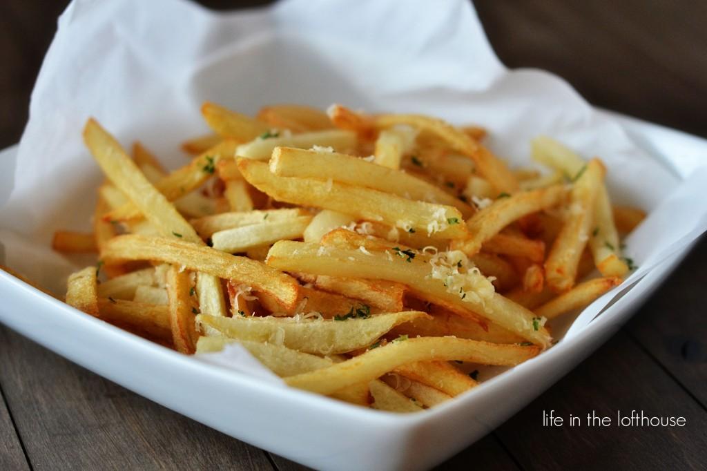 sarimsak-ve-parmesanli-patates-kizartmasi