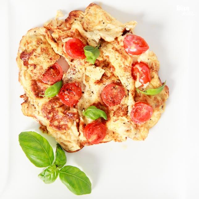 domates-ve-feslegenli-kolay-omlet