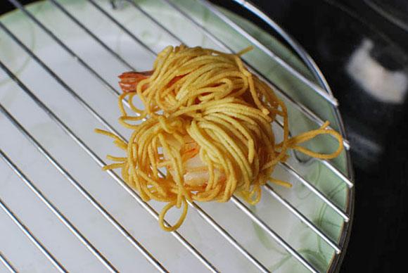 spagetti-sarmalli-karides-tarifi-8