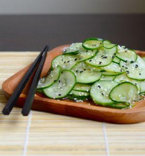 uzak-dogu-tarifleri-salatalik-salatasi